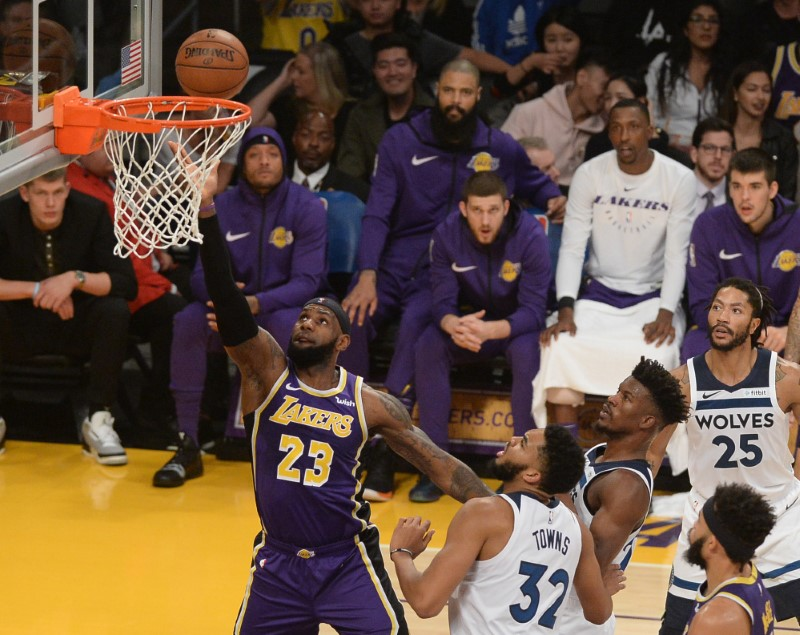 © Reuters. NBA: Minnesota Timberwolves at Los Angeles Lakers