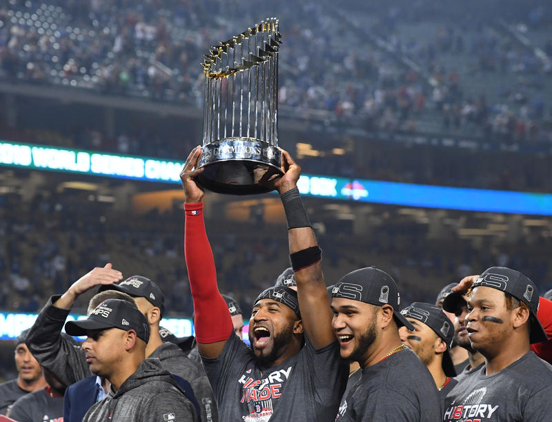 © Reuters. FILE PHOTO: MLB: World Series-Boston Red Sox at Los Angeles Dodgers