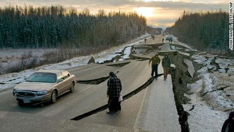 7.0 Alaska quake damages roads, brings scenes of chaos