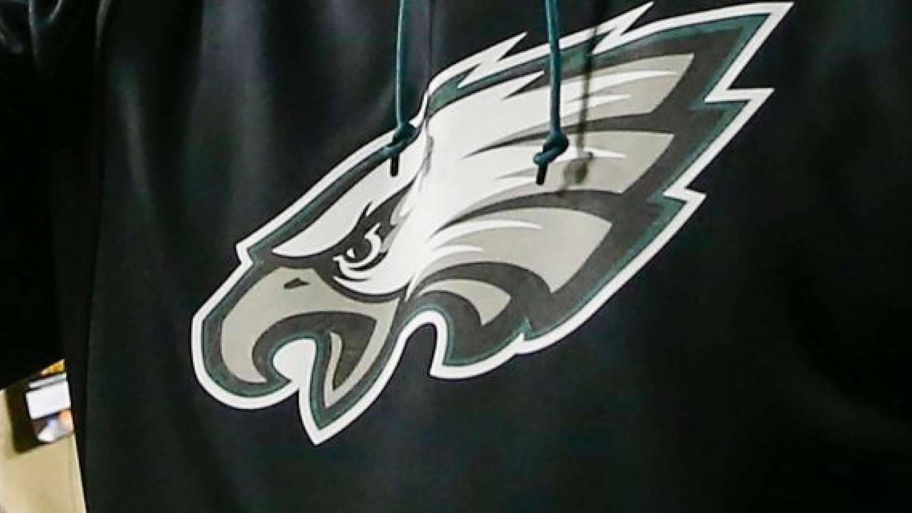 An alleged thief shouted his support for the Philadelphia Eagles while he was being taken into handcuffs Thursday.