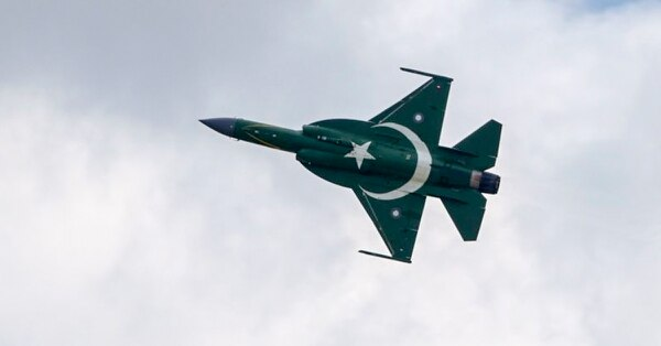 A Pakistani JF-17 Thunder performs a flying display at the Paris Air Show on June 17, 2019, at Le Bourget Airport, near Paris. (Eric Piermont/AFP via Getty Images)